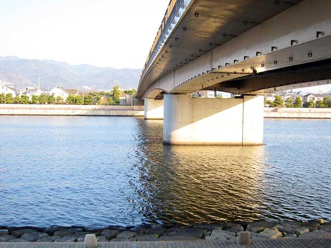 潮風大橋の橋脚