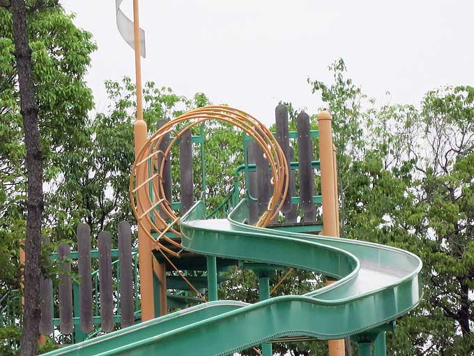 県立甲子園浜海浜公園・西宮のループスライダー