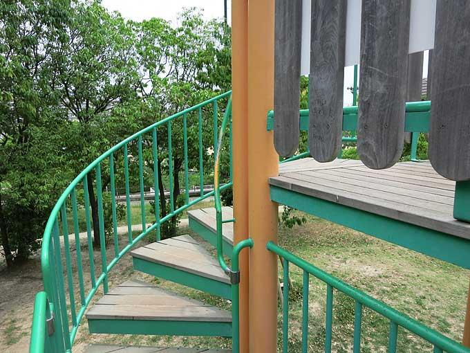 ループスライダーの階段