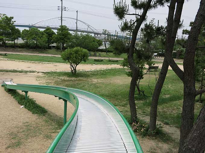 ループスライダー滑走中