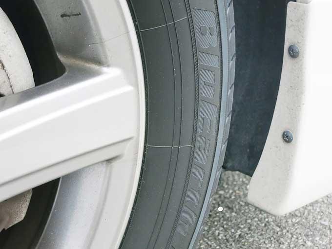 VOXYにエコ(低燃費)タイヤ・YOKOHAMA BluEarth