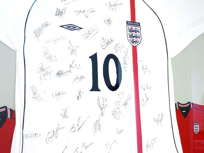 イングランド代表ユニフォーム