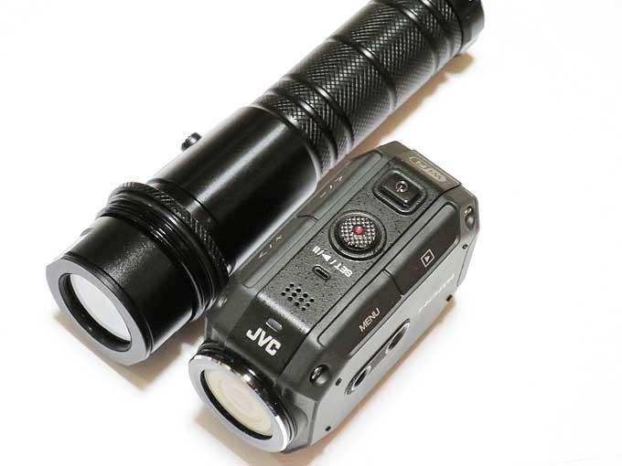 GC-XA2とINTOVA 防水LEDズームライト