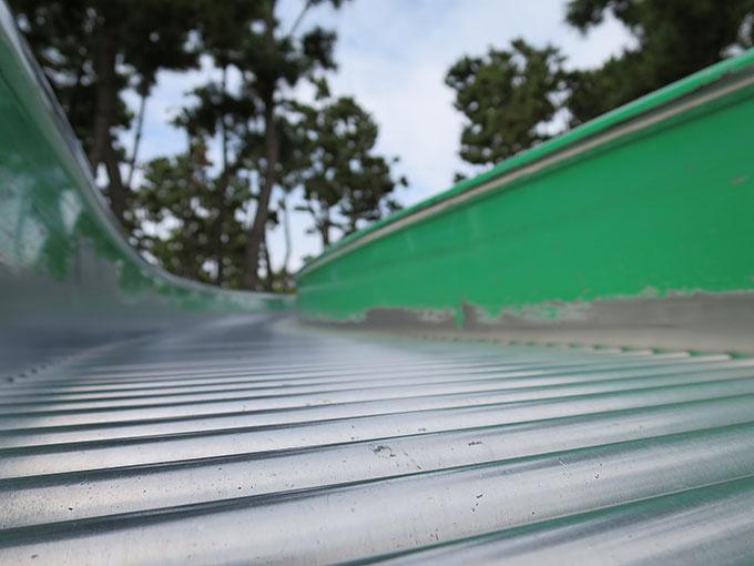 ローラーになっている滑り台