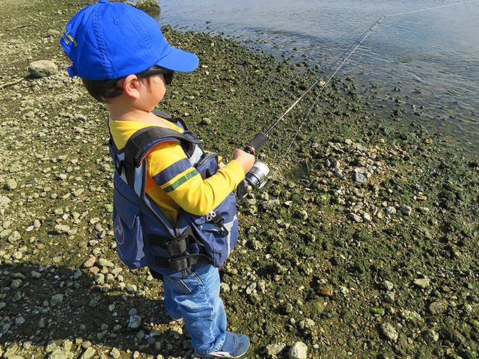 3歳児のルアー釣り開始