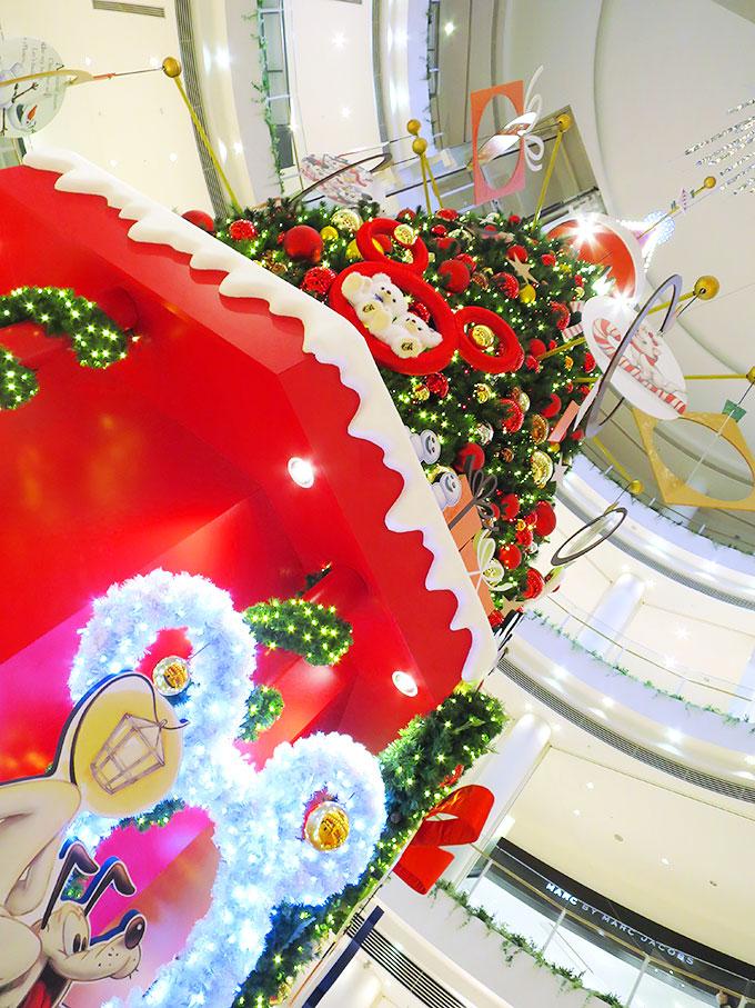 阪急西宮ガーデンズのクリスマスツリー