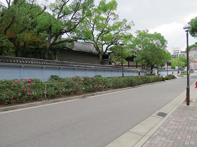 湊川神社を通って