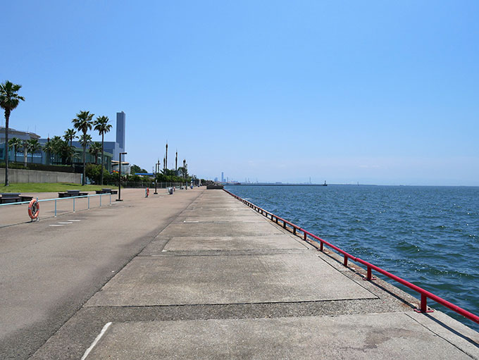 鳴尾浜臨海公園海づり広場・大阪方面
