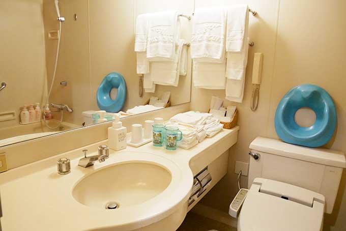 お手洗いと室内風呂