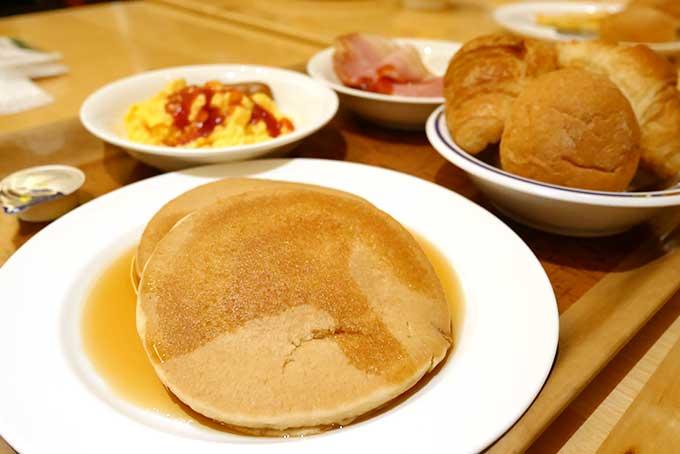 朝食を頂きます!!