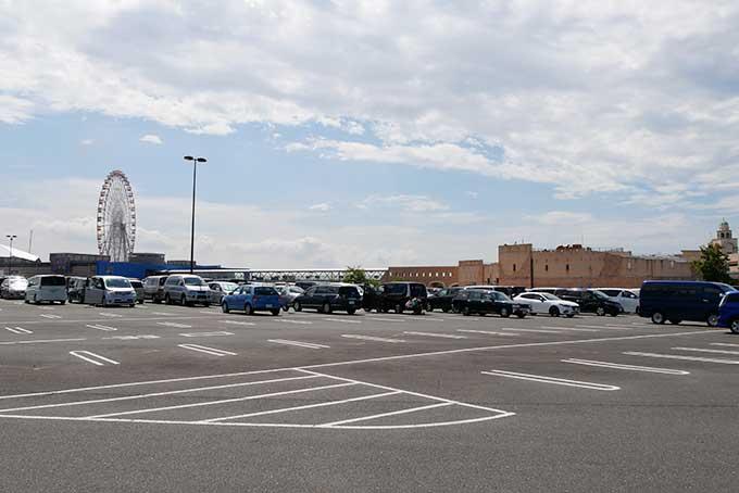 ラグーナテンボスの駐車場