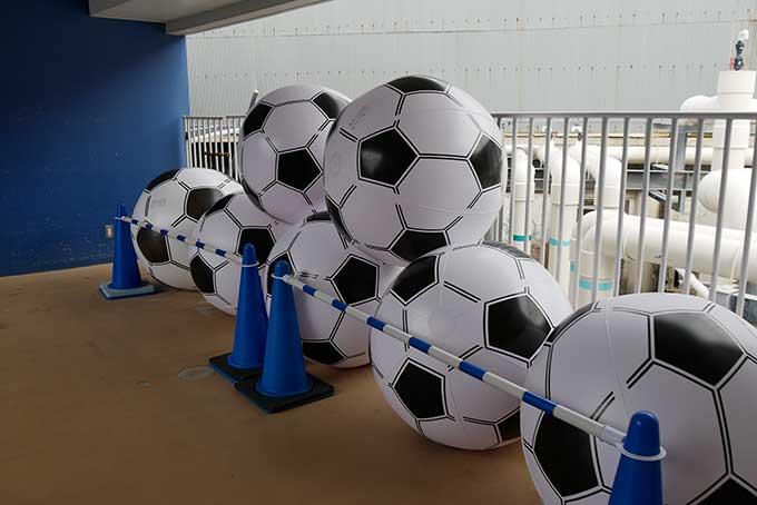 大きなサッカーボールを発見!!