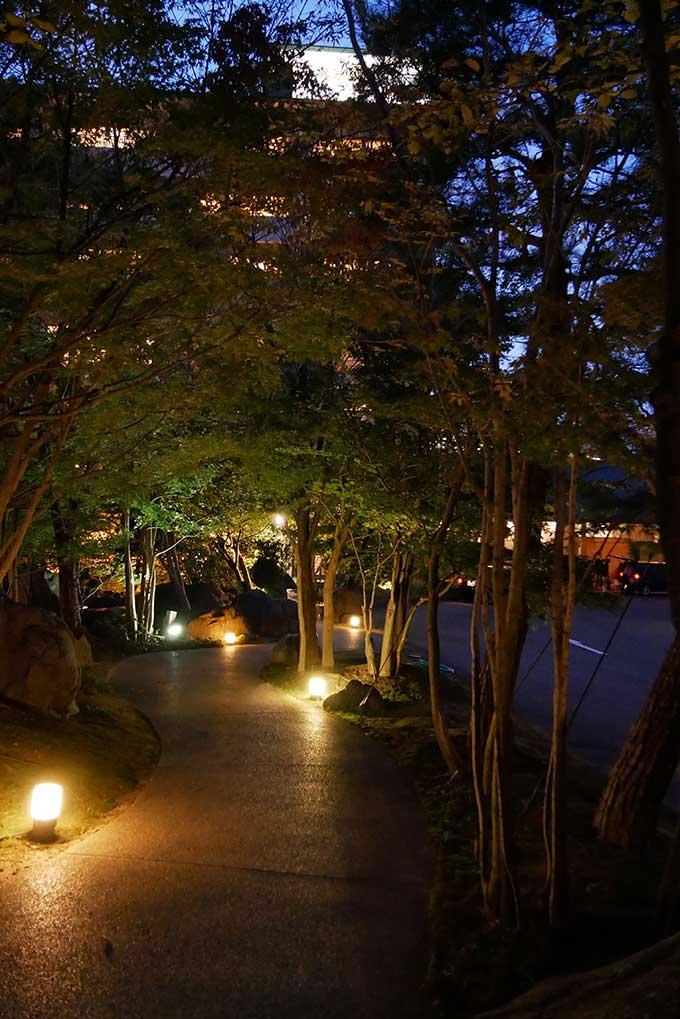 夜のホテルナガシマ