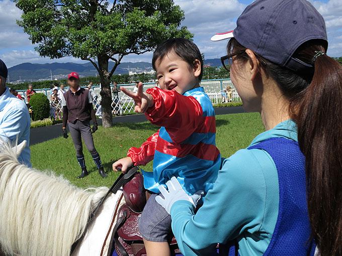 ポニー乗馬に大満足