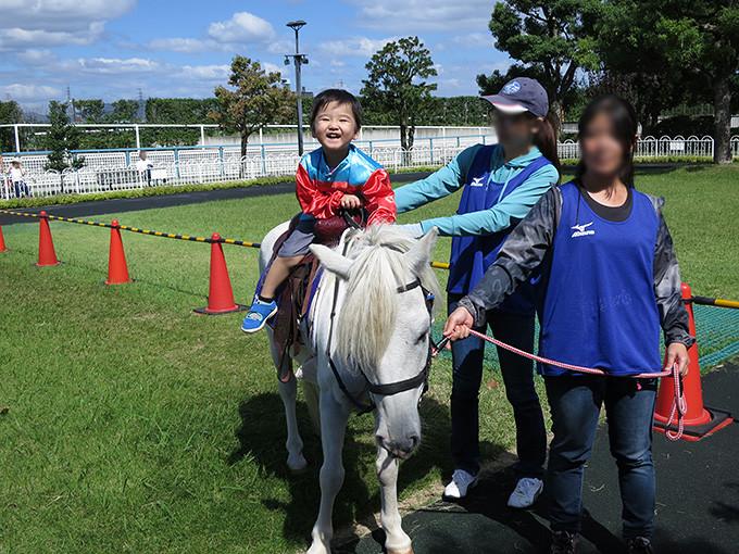 子供の乗馬体験は阪神競馬場開催のイベントがオススメ!!