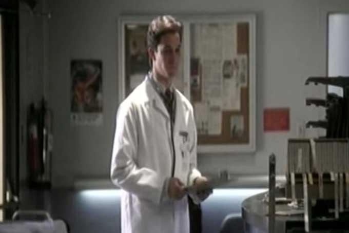 シーズン1のカーター先生