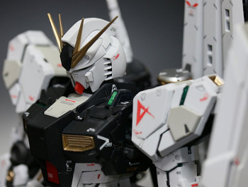 MG ニューガンダム Ver.ka 完成編 -サイコフレーム発動版-
